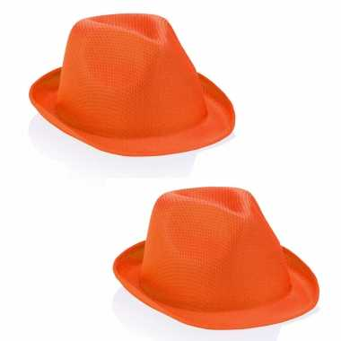 2x stuks oranje party hoedje voor volwassenen