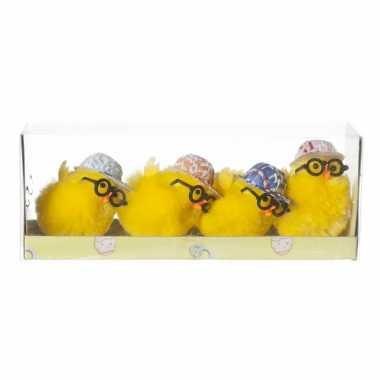 4x stuks mini kuikentjes met pet en bril geel 5 cm